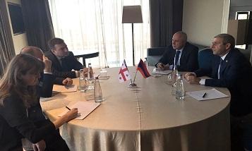 Министр Ваган Мартиросян встретился с Зурабом Алавидзе