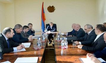 Министр принял представителей компаний, осуществляющих грузоперевозки