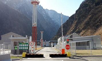 Таможенный пост Верхний Ларс перестал оформлять декларации на вывоз грузов