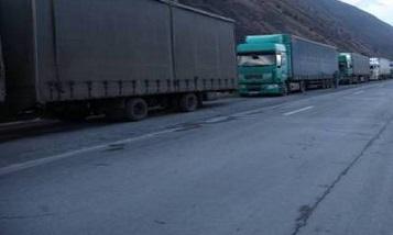 На российско-грузинской границе побили двоих водителей из Армении