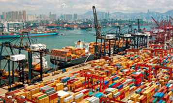 Traffic jams in China's southern ports are paralyzing international trade
